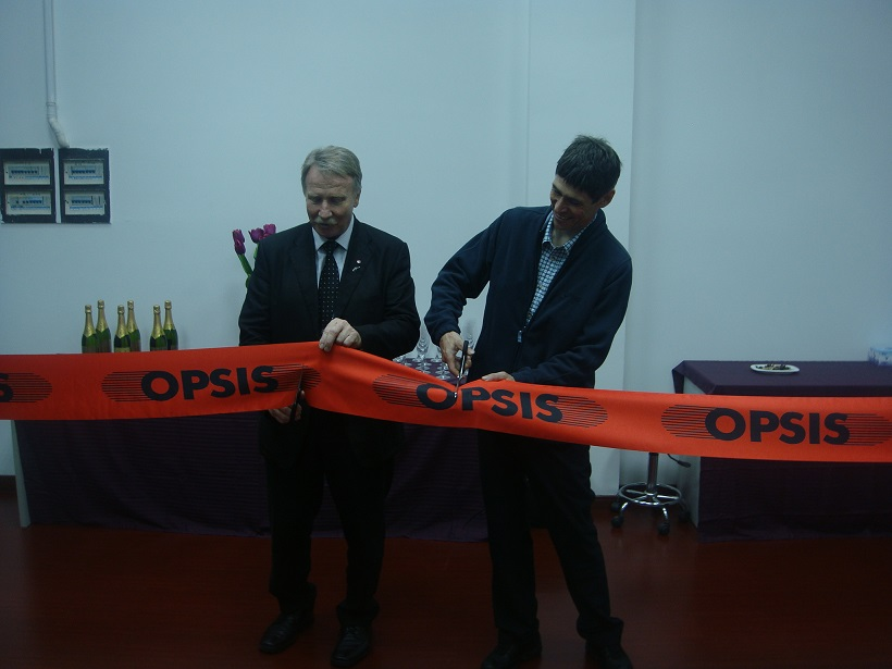 m Opsis invigning